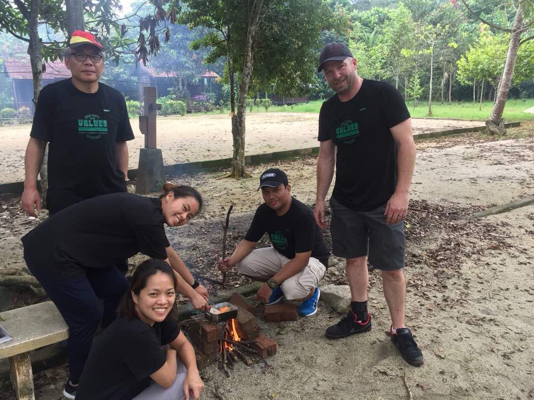 UTM Team Building Hutan Rekreasi 2