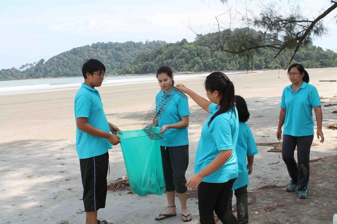 CSR Beach Clean Up Community Service (1)