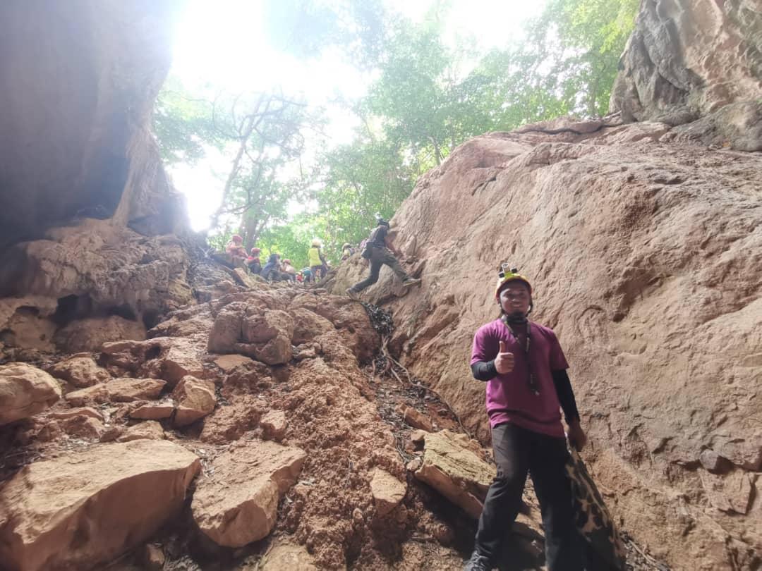 Kandu Caving (1)