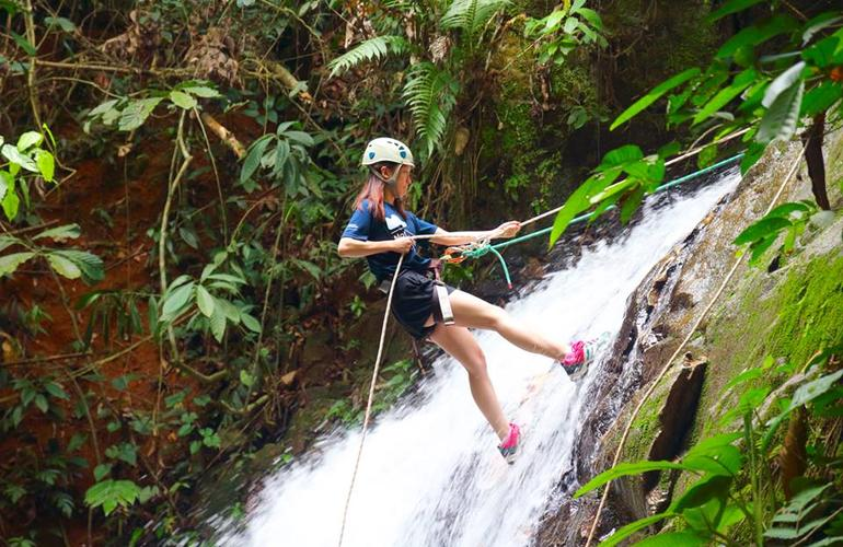 Waterfall Abseiling (2)