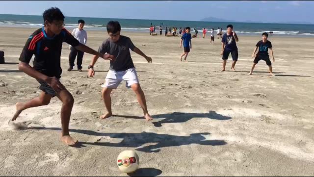 Whacky Beach Games (1)